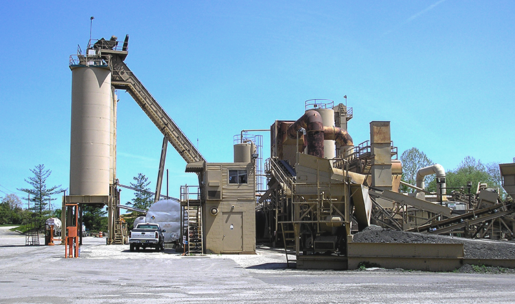 What environmental permits does an asphalt plant need?