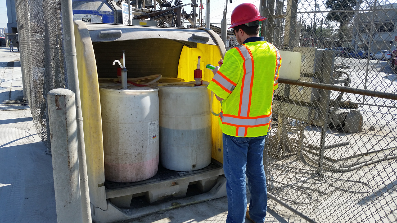 What does a Phase 1 Environmental Site Assessment look for?
